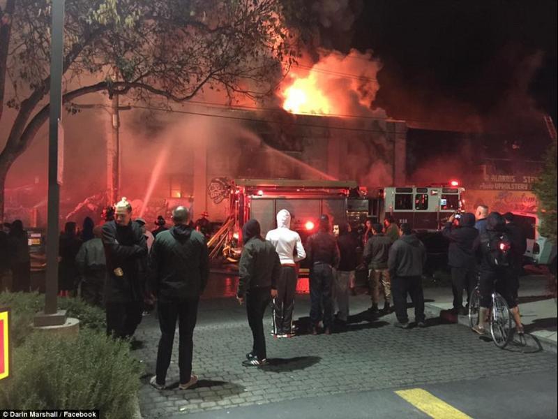 9 души изгоряха при пожар в Калифорния (ВИДЕО)