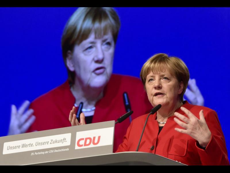 Смяна на курса: Меркел се обяви за забрана на бурките