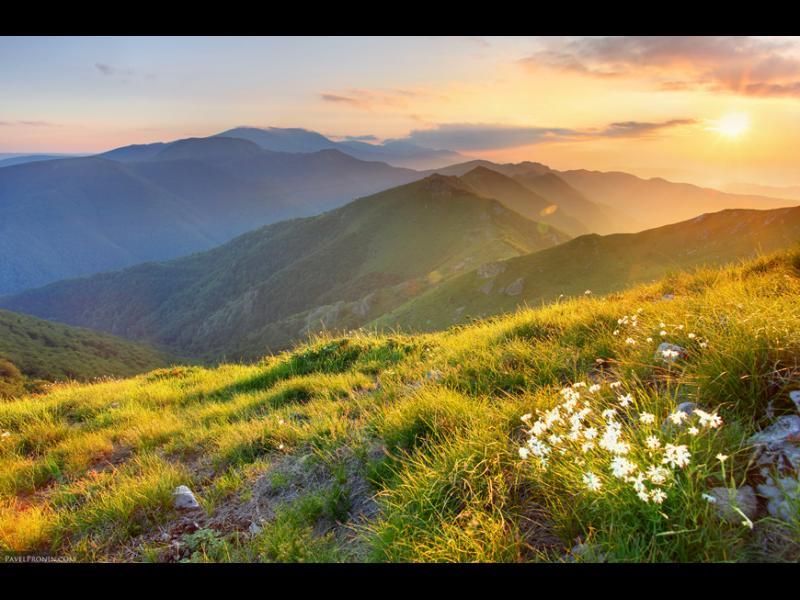 Балканският полуостров има днес имен ден?