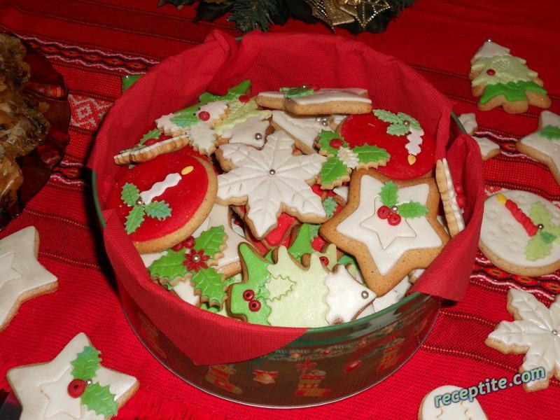 Манджите на баба: Коледни меденки с глазура
