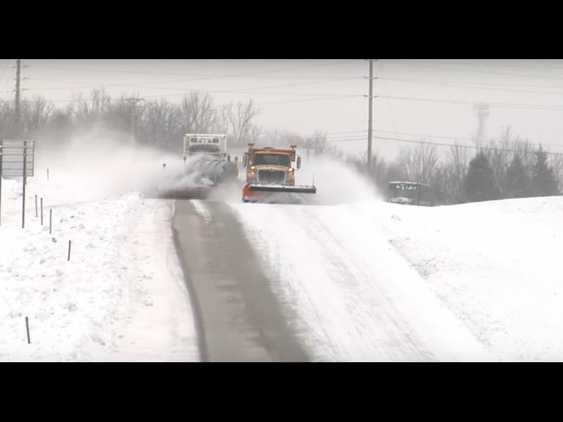 Ето как трябва да се почистват пътищата от сняг /ВИДЕО/