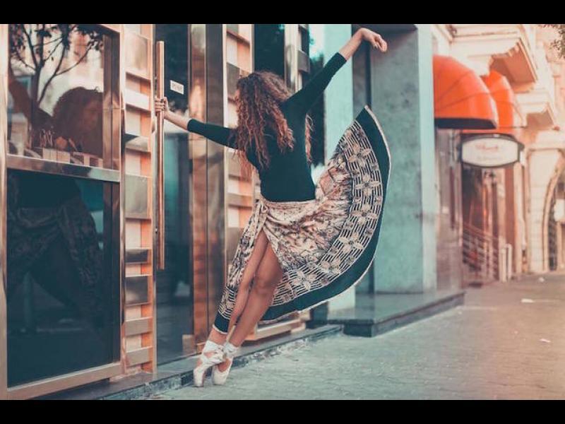 Завладяващи портрети на балерини по улиците на Кайро /ГАЛЕРИЯ/