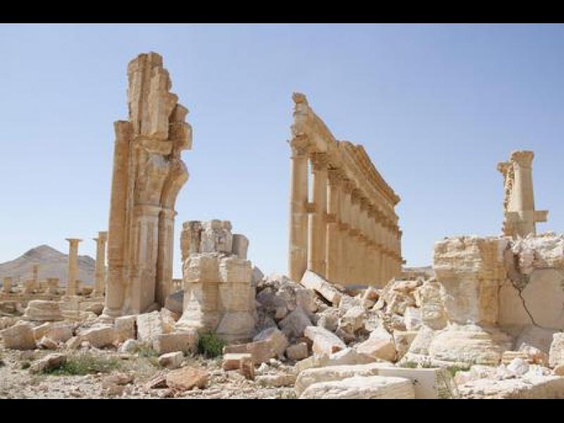 Ислямска държава разруши Тетрапилона в Палмира
