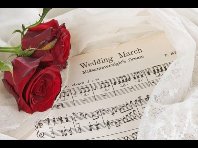Когато звучи Сватбения марш...