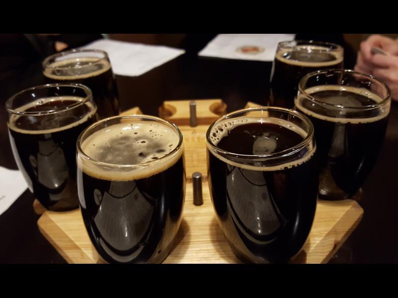 За тънка талия: Заменете олиото с бира при готвене