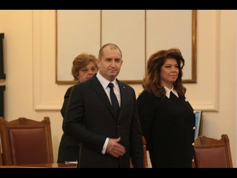 Румен Радев към депутатите: Имате още една седмица