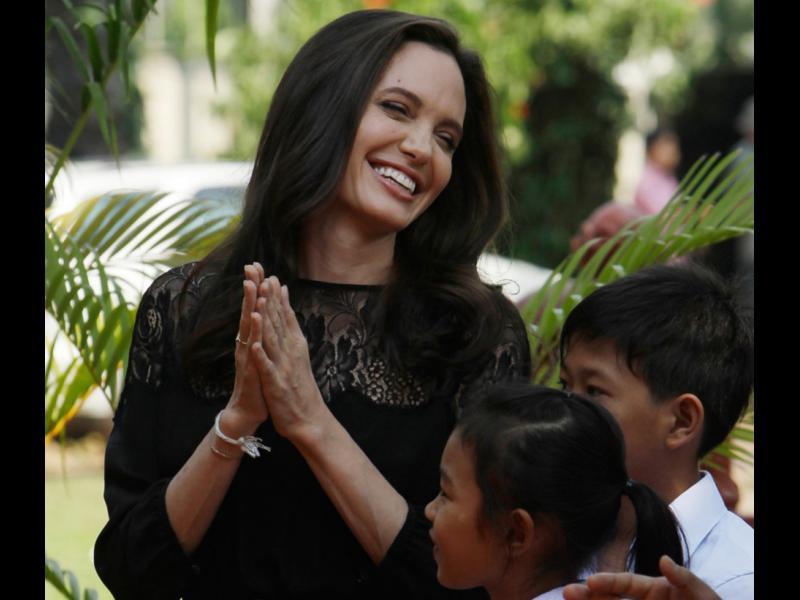 Анджелина Джоли за първи път след развода: Ние винаги ще сме семейство