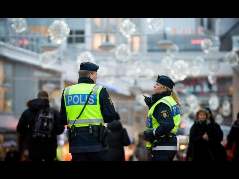 Безредици в предградие на Стокхолм с имигранти