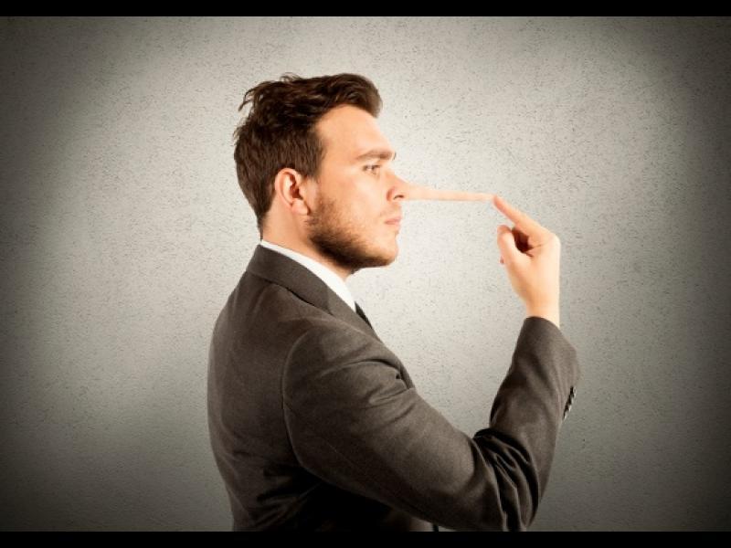 10 начина да го хванеш, че лъже