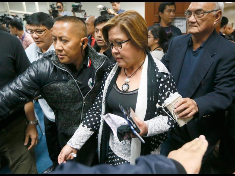 Властите във Филипините арестуваха водещ критик на президента Дутерте