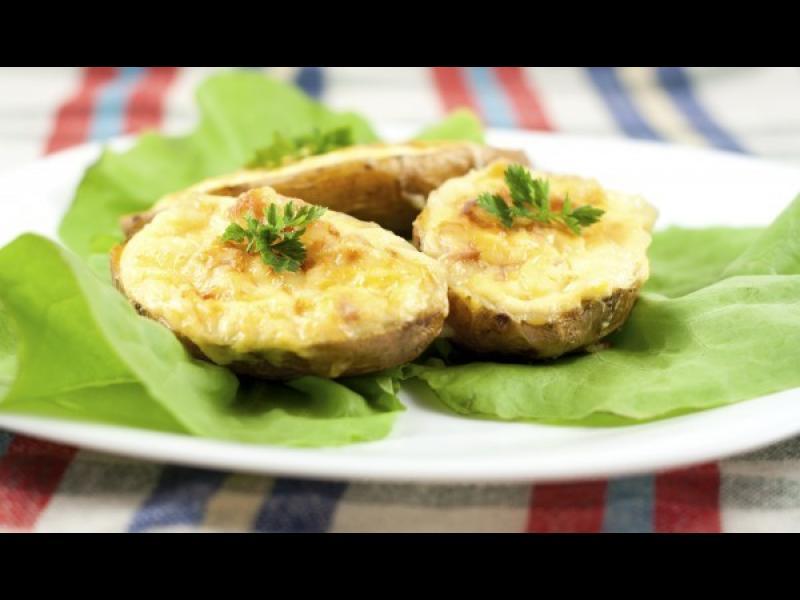 Манджите на баба: Пълнен картоф с топено сирене