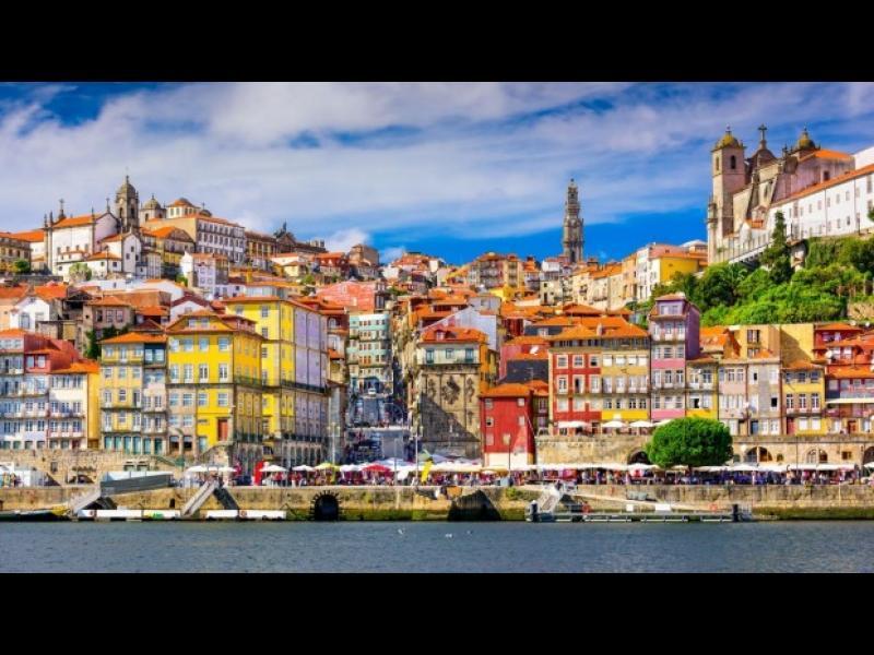 Градът на виното, романтиката и разходките - Порто