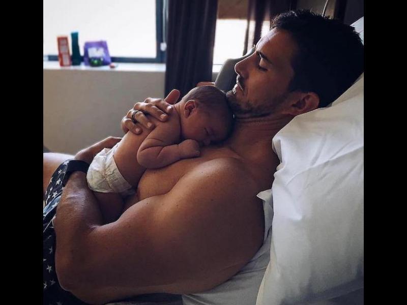 Любящи татковци в компанията на своите малчугани
