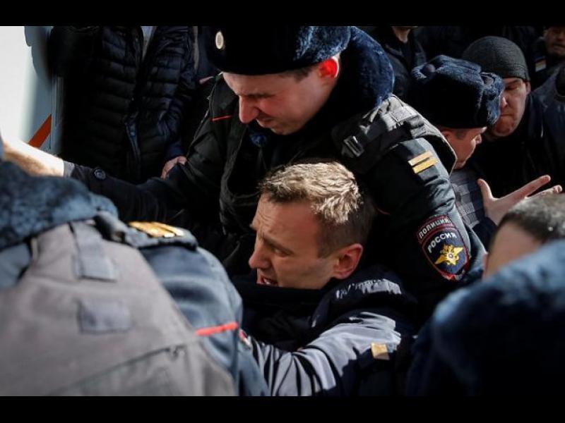 Стотици арестувани на протести срещу корупцията в Русия