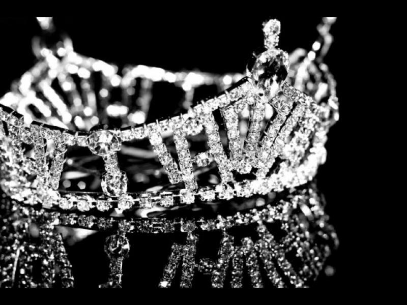 """Мис Атомна бомба"" и още 7 странни конкурса за красота"