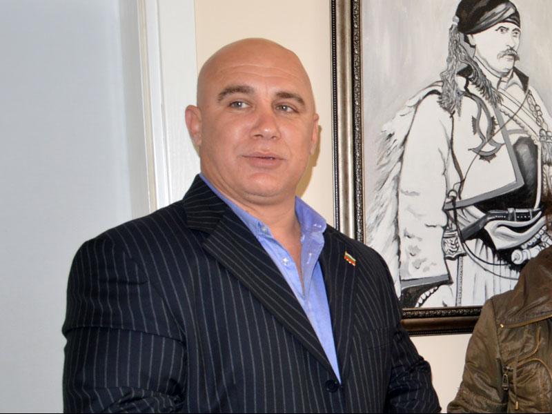 Божинов реши да се оттегли от изборната надпревара, заради публични реакции по повод негови изказвания в медиите преди 3 години