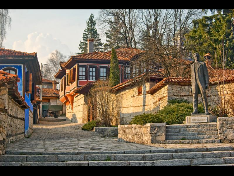 Общинари не искат Копривщица като архитектурен резерват, ще строят нови сгради и мотописта