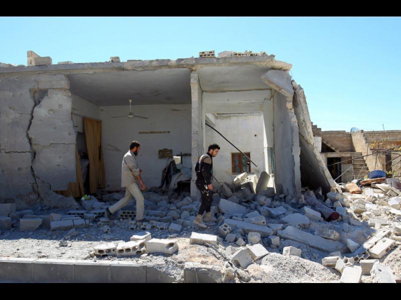 """Сирийското правителство: Стотици загинаха при американски удар по склад с химически оръжия на """"Ислямска държава"""""""