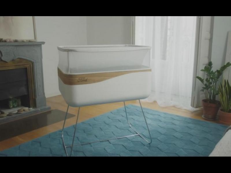 Ford създаде бебешко креватче, имитиращо движеща се кола
