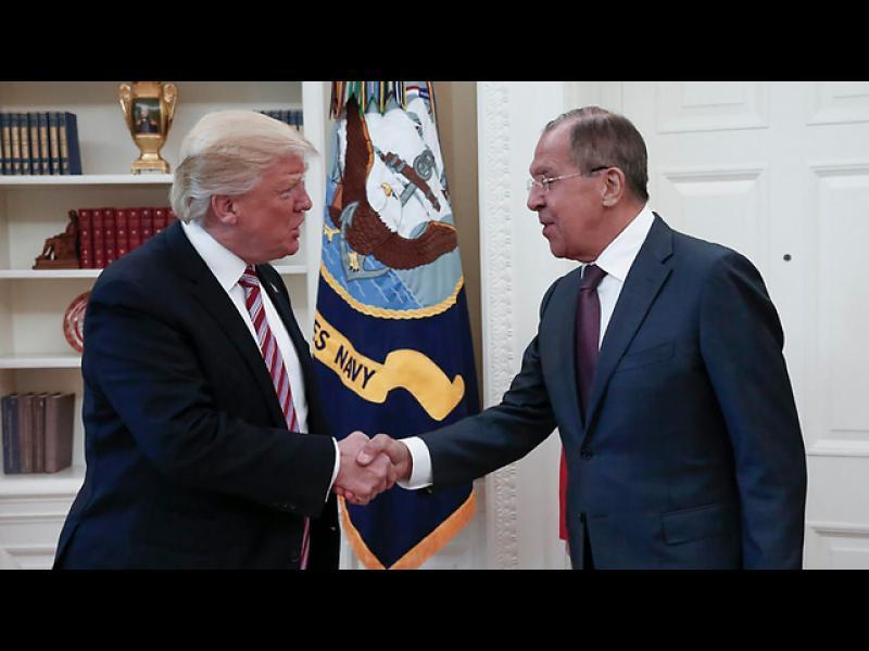 Европейските страни могат да спрат обмена на чувствителна информация с американските служби, ако Тръмп ще я споделя с руснаците
