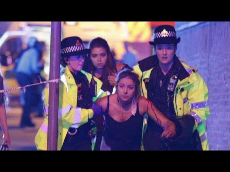 Взрив на концерт на Ариана Гранде в Манчестър, десетки убити и ранени