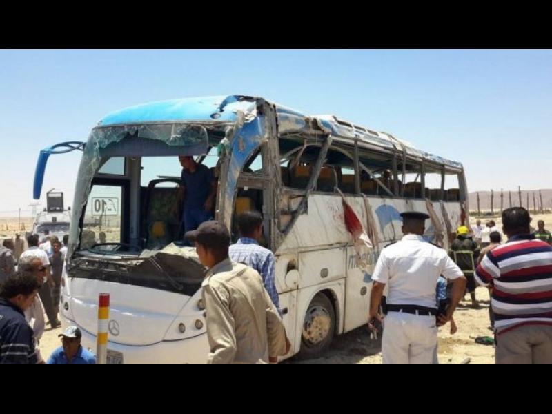 Най-малко 25 жертви при стрелба срещу автобус с копти-християни в Египет
