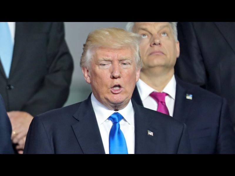 Тръмп изблъска премиера на Черна гора, за да застане на преден план /ВИДЕО/