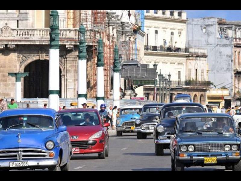 Искате ли 60 000 долара за старото си Peugeot? Прoдайте го в Куба