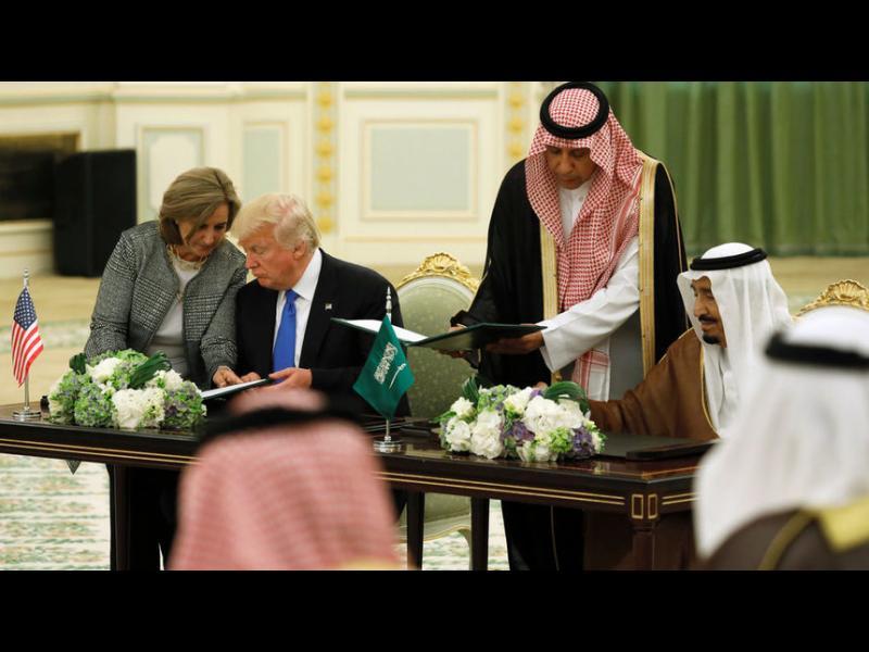 Тръмп сключи в Саудитска Арабия най-голямата военна сделка в историята на САЩ