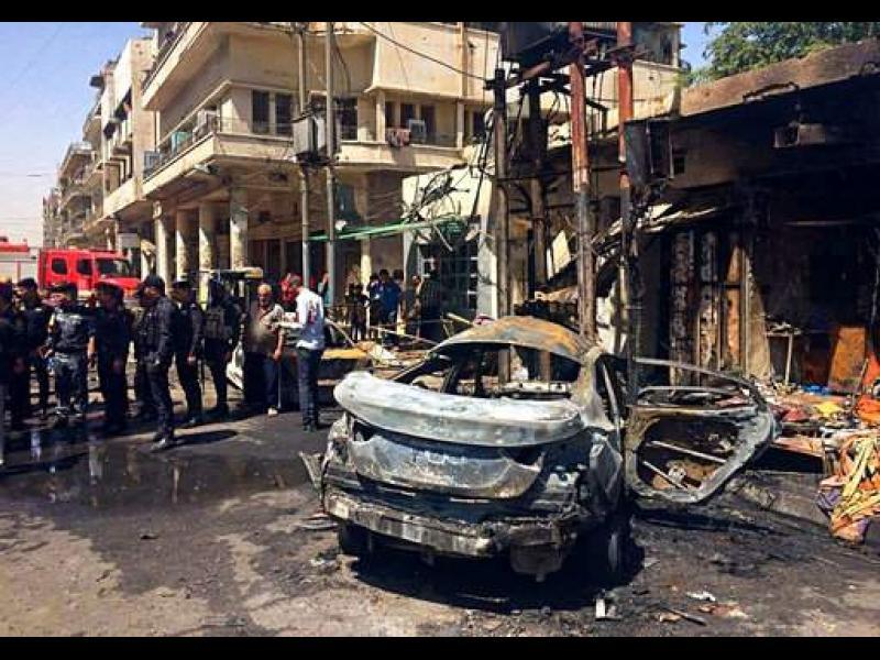 13 души загинаха в атентат с кола бомба в Багдад