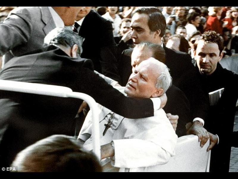 Атентатът срещу папата - картинка 1