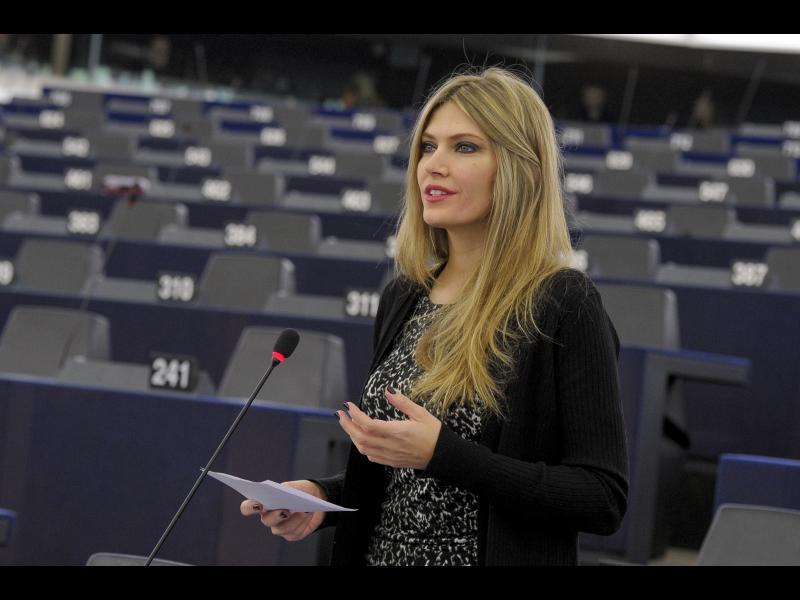 10-те най-красиви жени в политиката