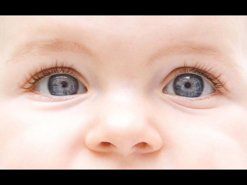 Как да се ориентираме дали бебето вижда