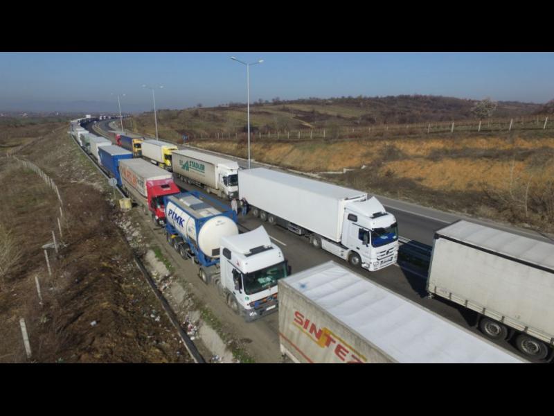Превозвачи излизат на протест на границата с Гърция