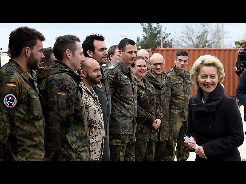 Меркел: Германия ще търси алтернатива на турската база Инджирлик