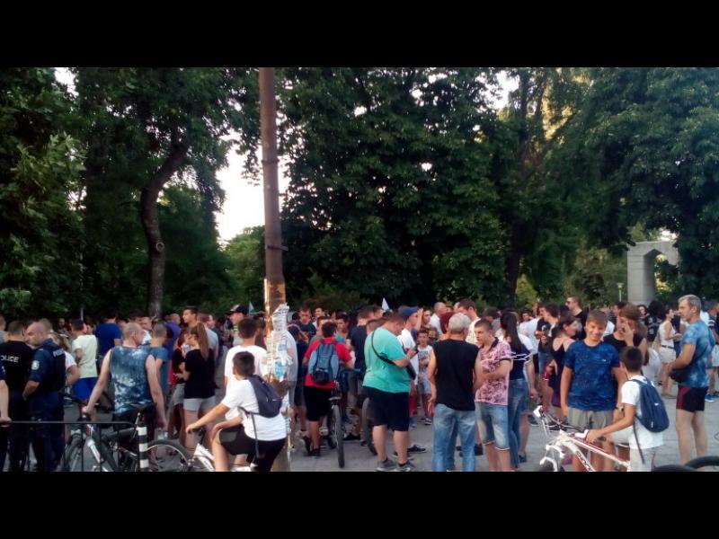 Нощен щурм на ромската махала в Асеновград