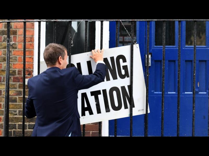 /ОБНОВЕНА/ Кой ще е победителят в предсрочните избори във Великобритания?