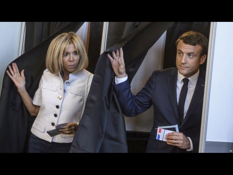 Франция: Партията на Макрон печели убедително изборите