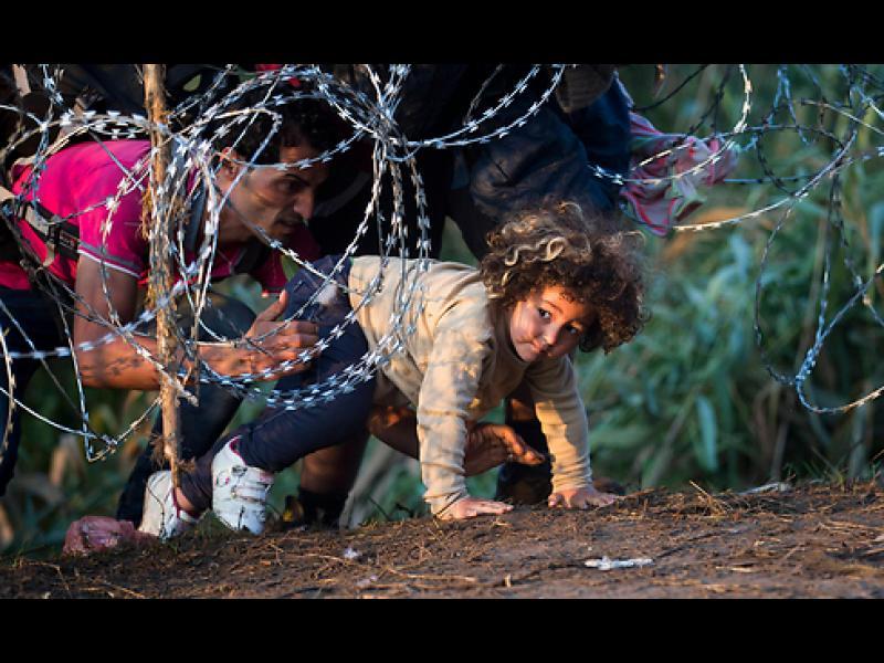 ЕС на нож с три държави, отказали да приемат бежанци