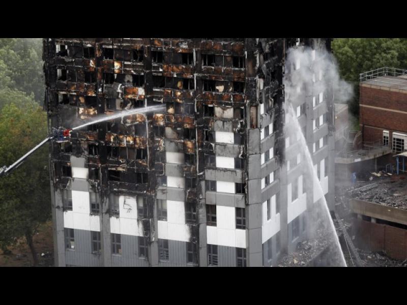 """Пожарът в """"Гренфел тауър"""" е тръгнал от повреден хладилник"""