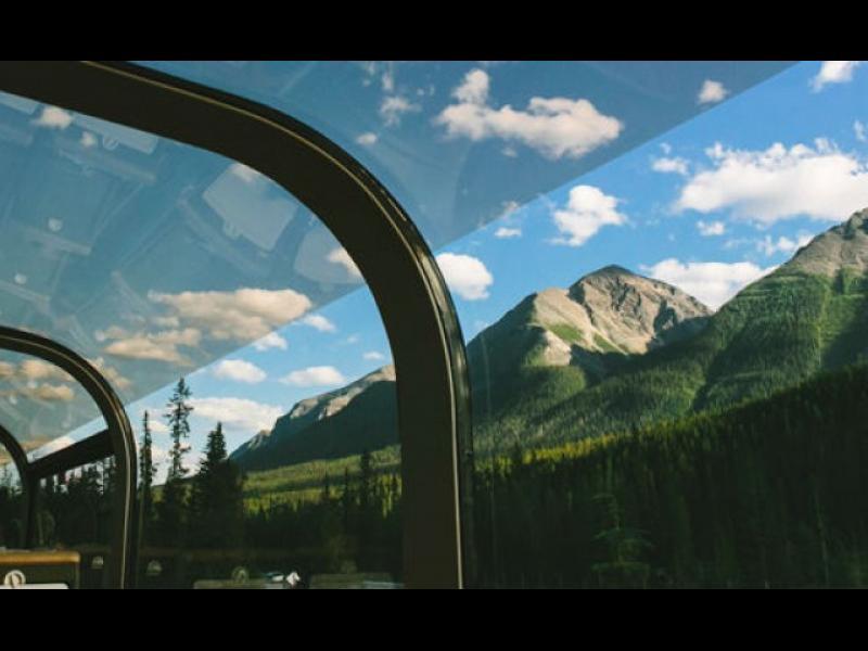 Седем от най-луксозните влакове за дълги пътешествия