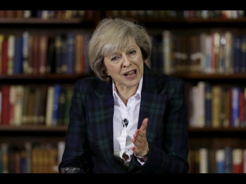 """Брюксел към Тереза Мей: Плати си сметките и се дръж добре, ако искаш """"мек Брекзит"""""""