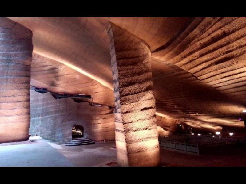 Мистерията на древните пещери Лонгю