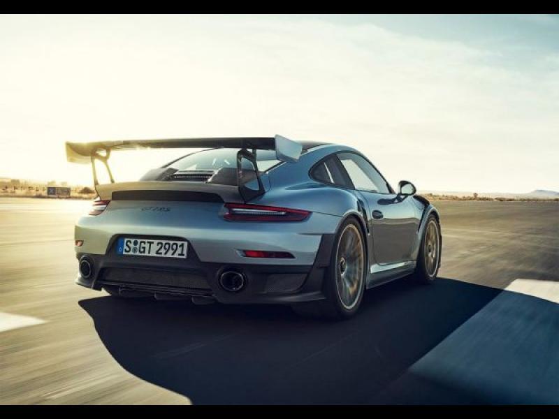 "Най-свирепото Porsche 911 вдигна 336 км/ч на ""Нюрбургринг"" (ВИДЕО)"