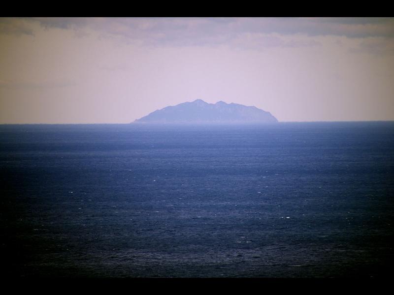 Може би не е добре да ходите на този малък японски остров - картинка 1