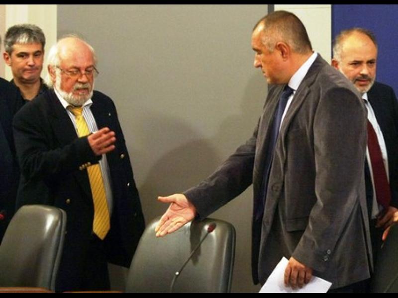 """Спешна среща на синдикатите и Борисов за клас """"прослужено време"""""""