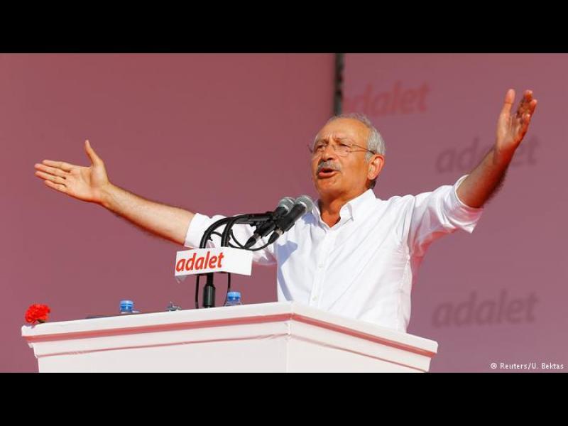 """Наричат го """"турския Ганди"""""""