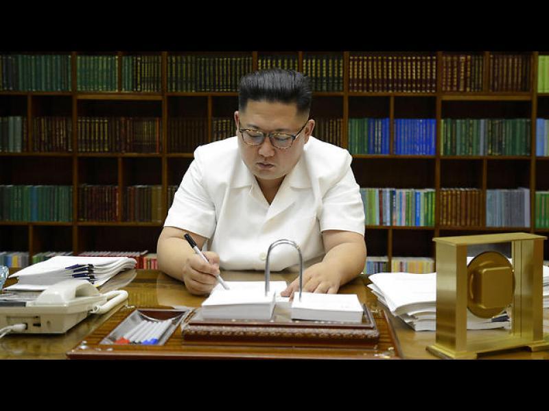 """САЩ готови за """"съкрушителна сила"""" в Северна Корея"""