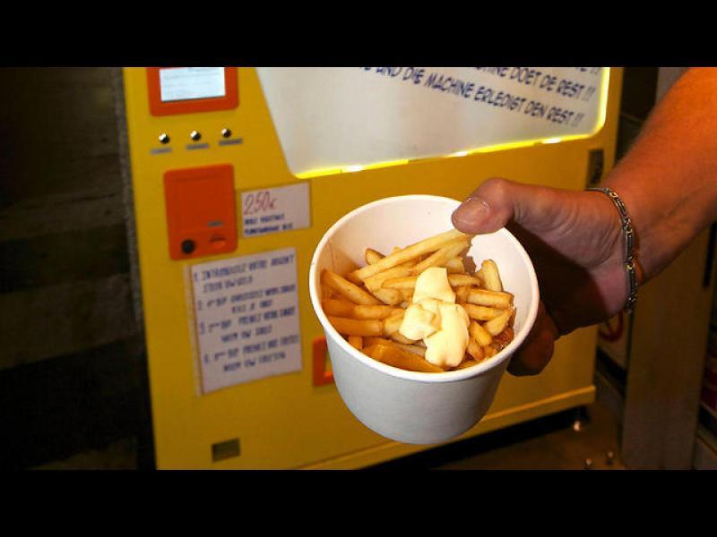 В Белгия дишат спокойно - мерките на ЕС срещу канцерогенните храни няма да засегнат традиционните им пържени картофки!