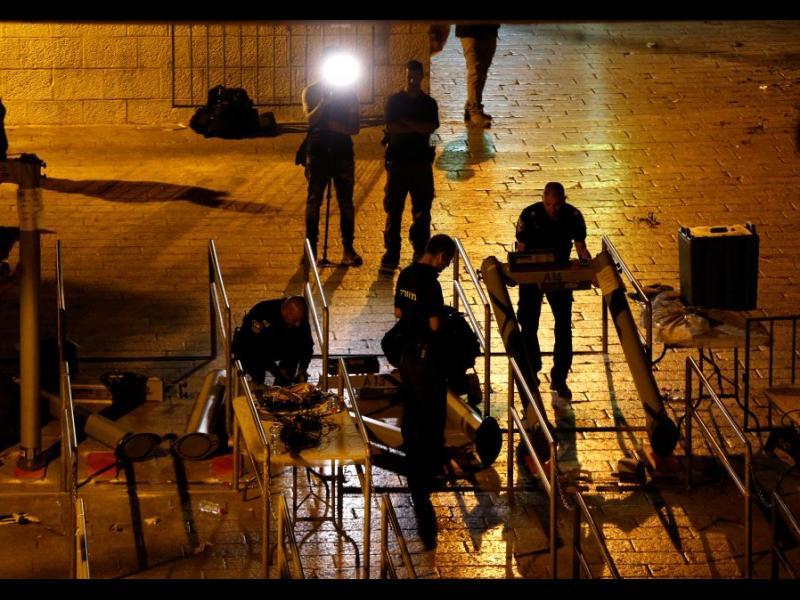 Израел премахна бариери и железен мост от района на Стария град в Ерусалим